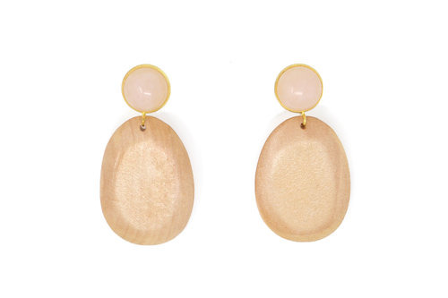 - THE ROSE PETAL EARRINGS in textured pine wood and rose quartz / Sophie Monet $150