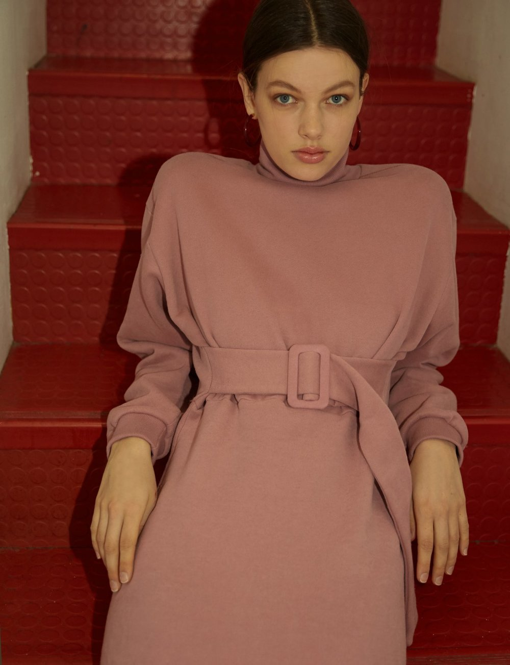 - DRIEE PINK SWEATSHIRT BELTED DRESS / Pixie Market $119