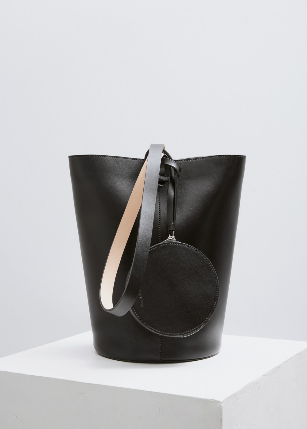 - BASKET SHOULDER BAG / Building Block available at Totokaelo $700