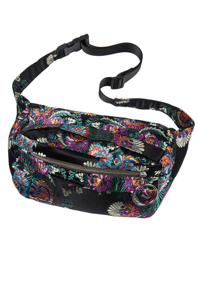 - PRINTED WAIST BAG / Front Row Shop $49