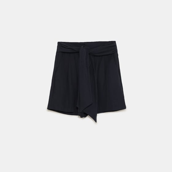 - GATHERED BERMUDA SHORTS WITH BOW / Zara $45.90