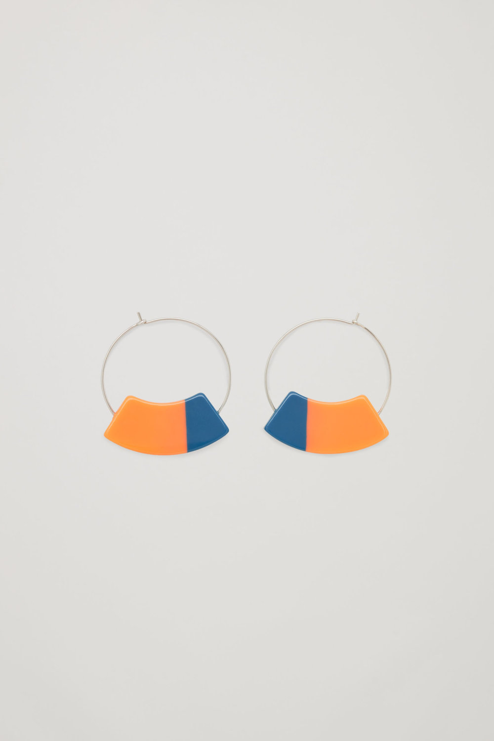 - COS / Colour-Block Hoops