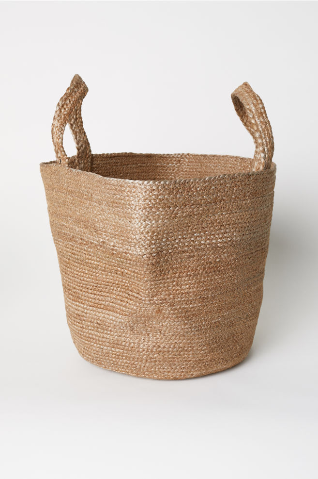 - JUTE BEACH BAG / H&M $24.99