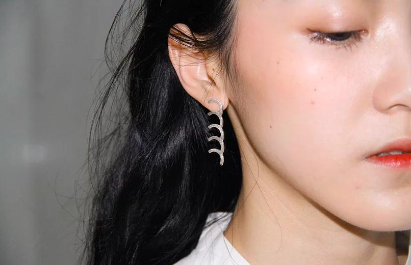 Single Chain Bracelet as earrings by Ellan Huang // DNAMAG