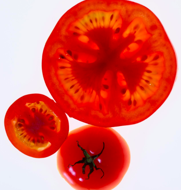 TOMATOES  - Improve the skin's natural SPF