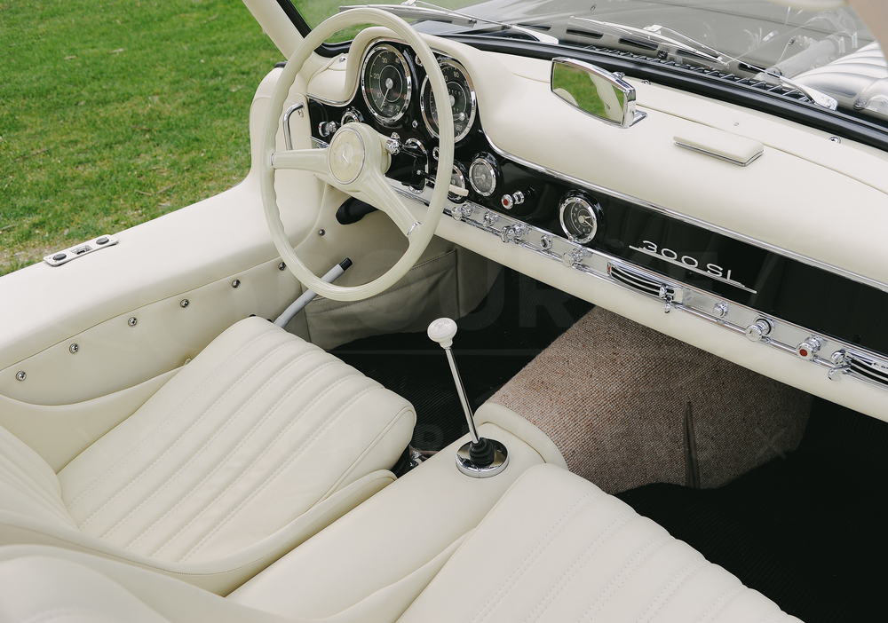 o-rourke-coachtrimmers-mercedes-gullwing-300-sl-3.jpg