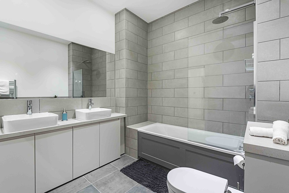 030 VV14 Bath.jpg