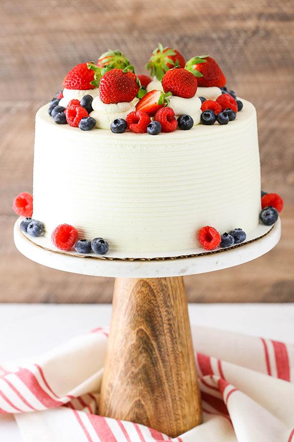 ③マスカルポーネのベリーショートケーキ