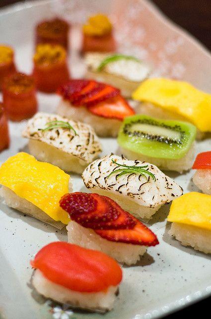 515172eaf0ed3a1f56e15c6480ba1dd8--sushi-dessert-fruit-sushi.jpg