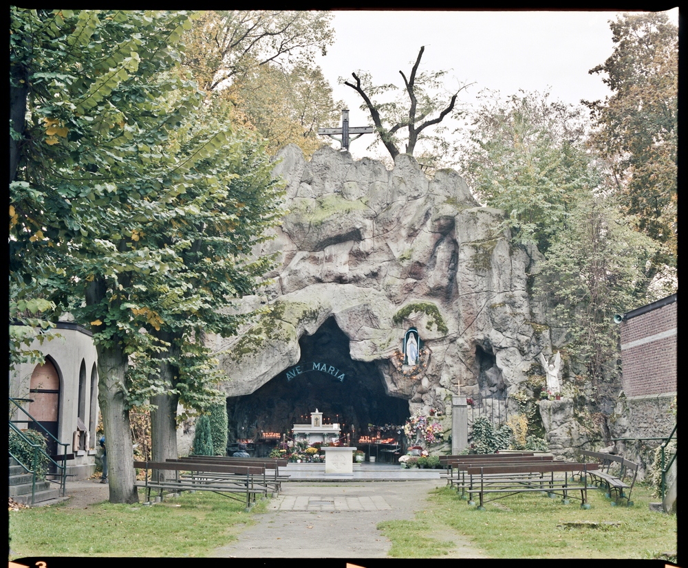 "immaculées conceptions belgium, 2011     In the early 20th century, Saint Mary devotion exploded in Belgium. The Beauraing and Banneux apparitions in the middle of the 30's economic crisis fascinated the crowds. Thousand of Lady of Lourdes Grotto were built around the country offering to the believers a permanent image of the ""Immaculate Conception"" who appeared to Bernadette Soubirous in Lourdes in 1858."