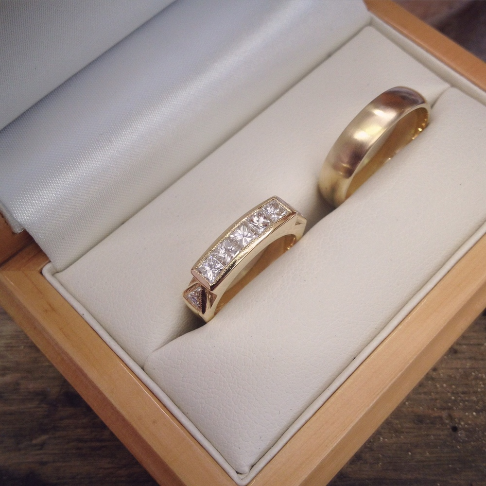 Yellow Gold White Diamond Wedding Ring