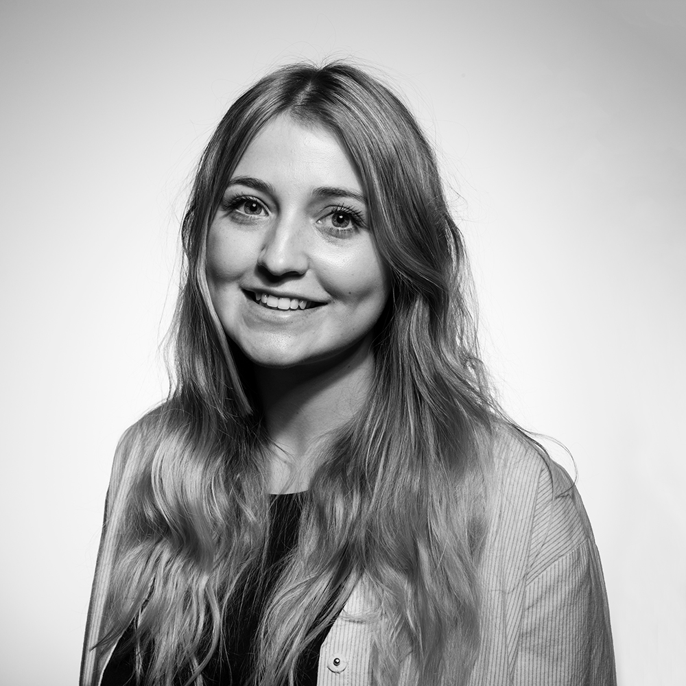 ZOE PHILPOTT / Account Manager