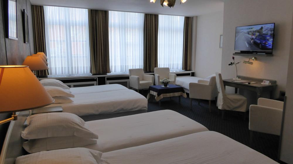 Großes Zimmer (für 5 Personen)  mehr ...