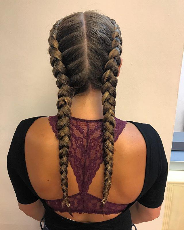 Bout that braid game #braidsbraidsbraids #weekendhair #nofuss #getyourbraidson 👌🏼 @stylingco