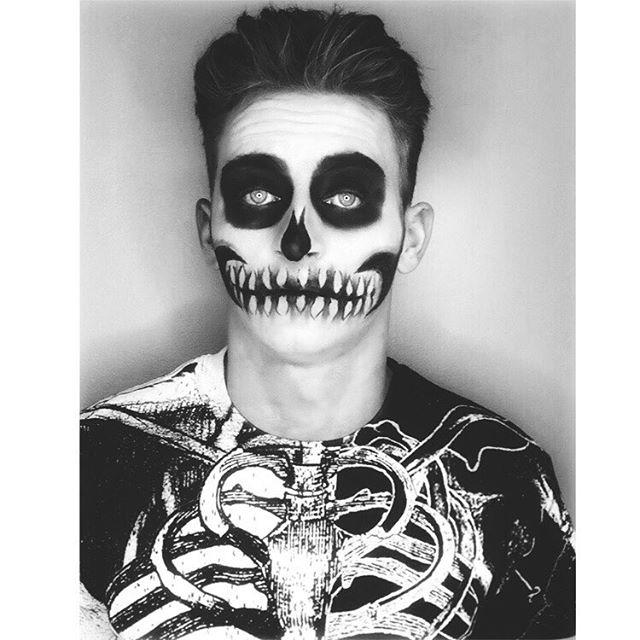 #blackandwhite #Skull #makeup #halloweenmakeup 👻💀☠️🎃