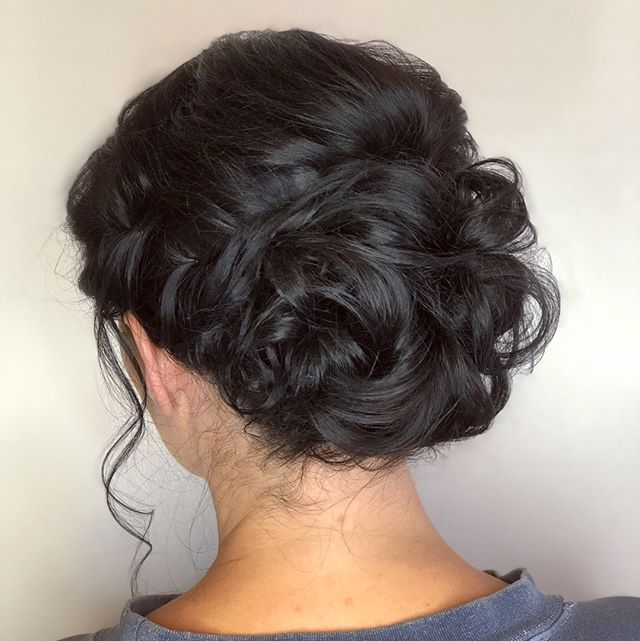 Hair and makeup for a beautiful bridal gal 💁🏼 #comeseeme @stylingco #belmarsalon #belmar #nj #hairstylist #weddinghair #weddingmakeup #elegant #simplemakeup #updo #wedding