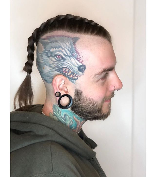Slick 💦 #comeseeme @stylingco #belmar #nj #belmarhairstylist #njhairstylist #barbering #skin #tattoos