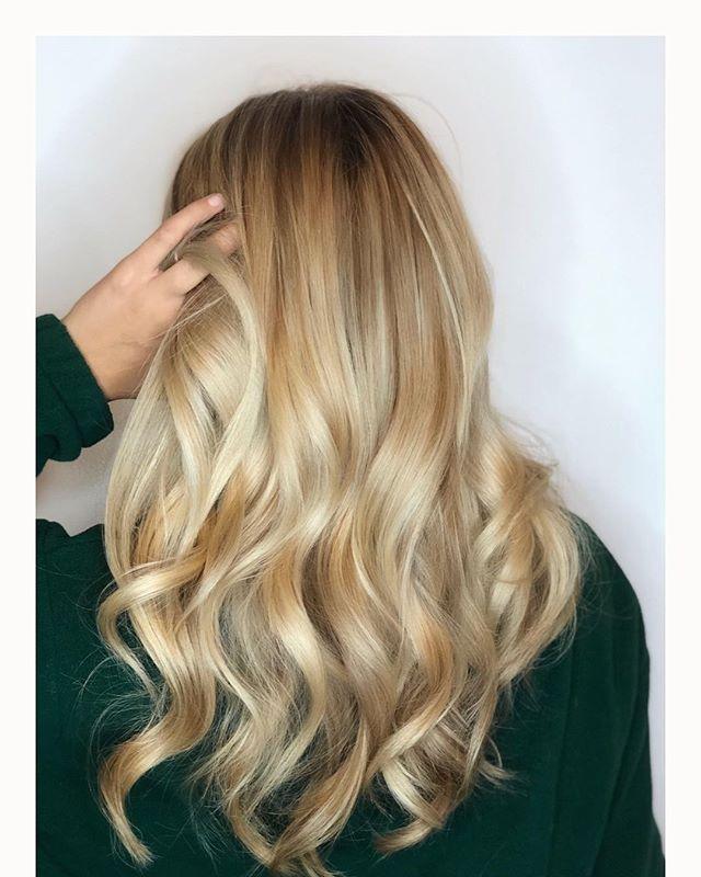 Blondes do it betta ✨ #comeseeme @stylingco #belmar #njhairstylisy #balayage #guytang #winterblonde #hairpainting #colormelt