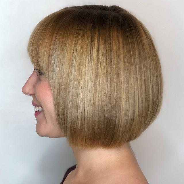 Balayage and precision cutting 💕 Let me do your hair !! #comeseeme @stylingco #belmarnj #njhairstylist #modernsalon #behindthechair #shorthair #bobhaircut #njsalon #jerseyshore #balayage #colormelt #blondehair #precisioncut