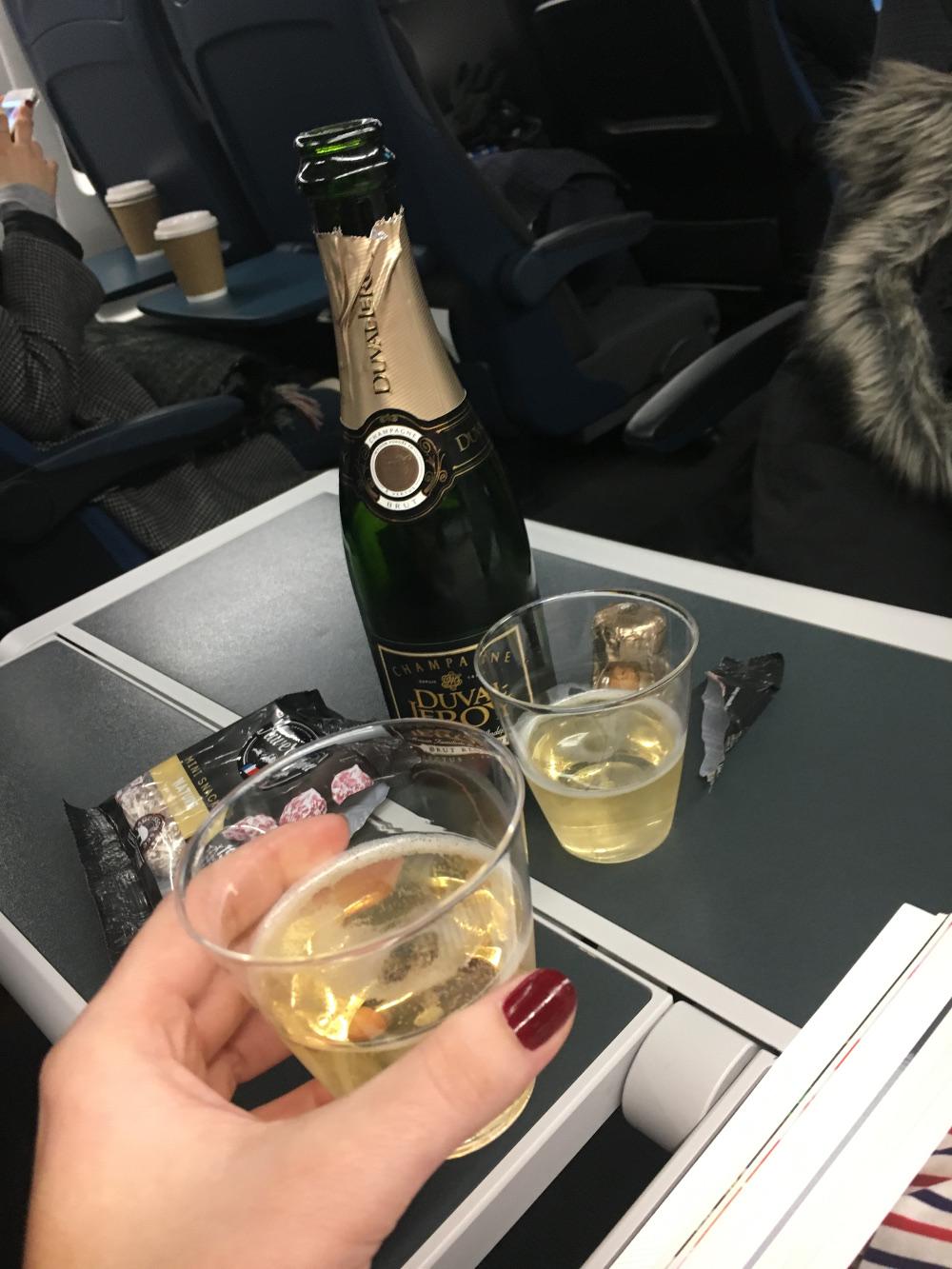 champagneontrain