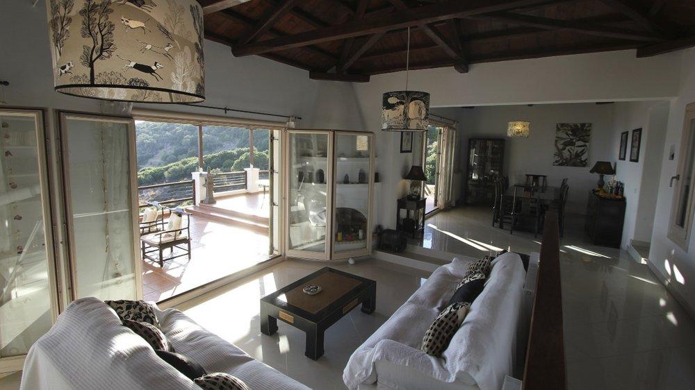 3. Large Villa Lounge & Dining Room.jpg