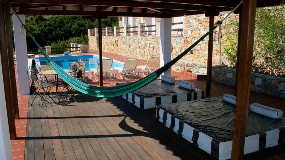 16. Luxury Outdoor Lounge.jpg
