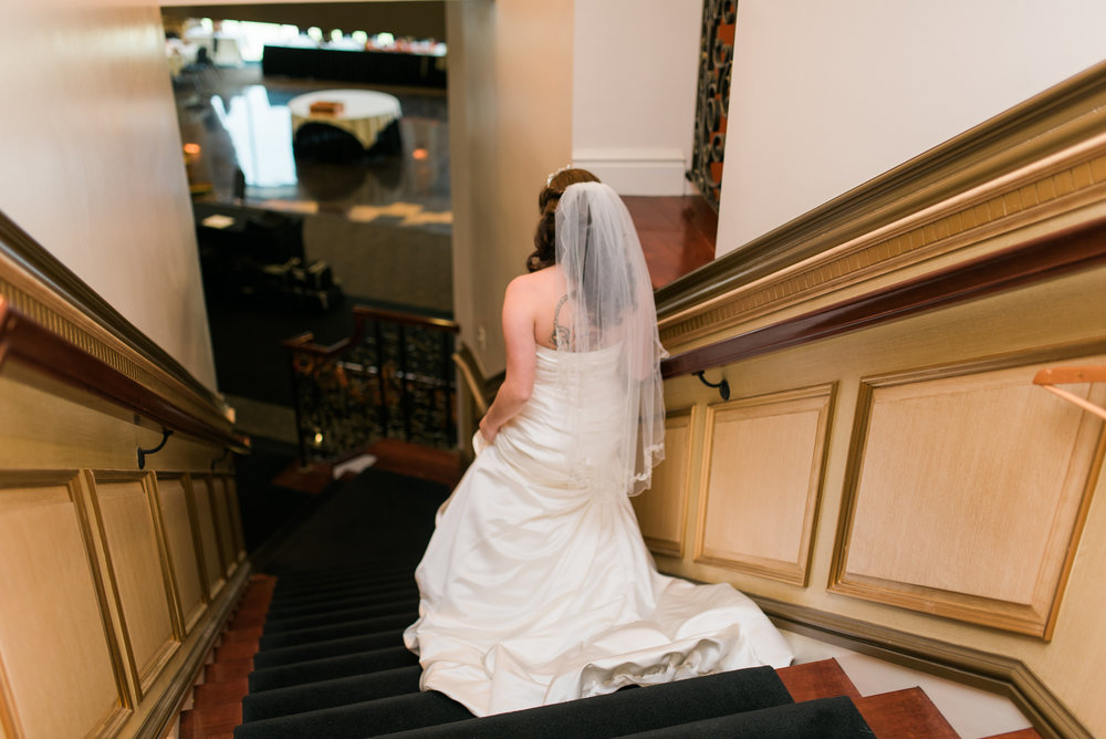 Getting ready for your wedding, pittsburgh wedding photographer