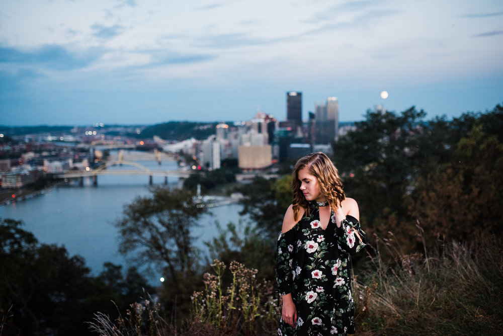 senior portrait posing ideas, pittsburgh senior portrait photographer