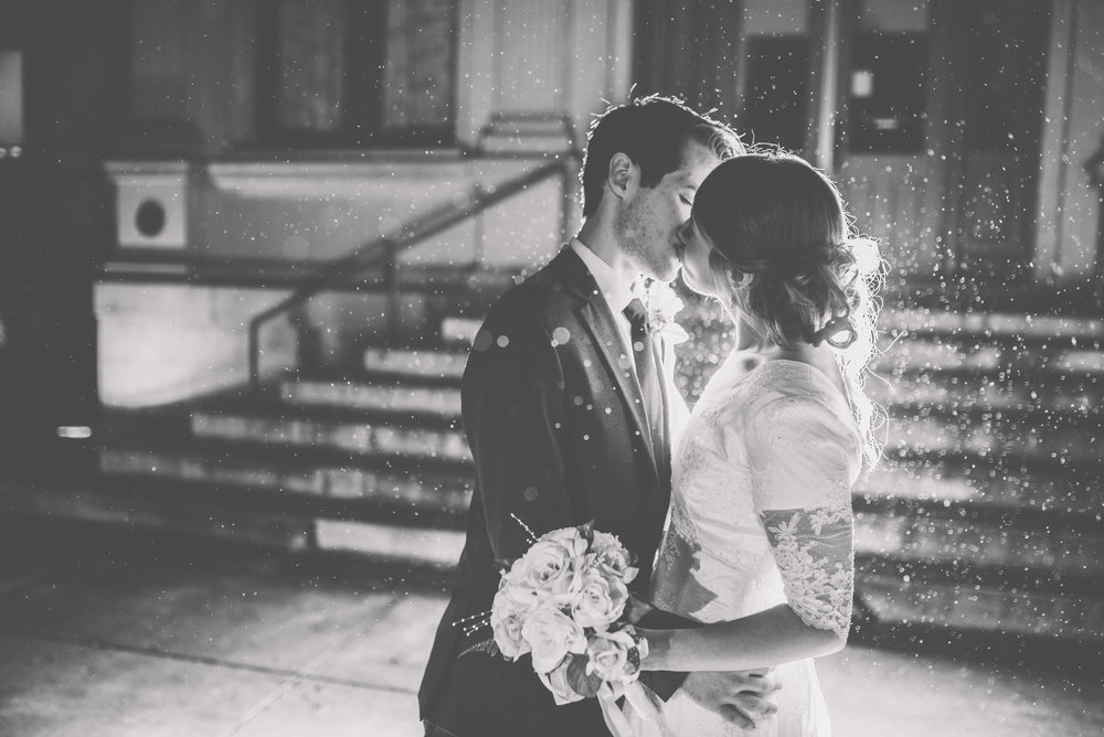 Pittsburgh wedding photographer childrens museum wedding