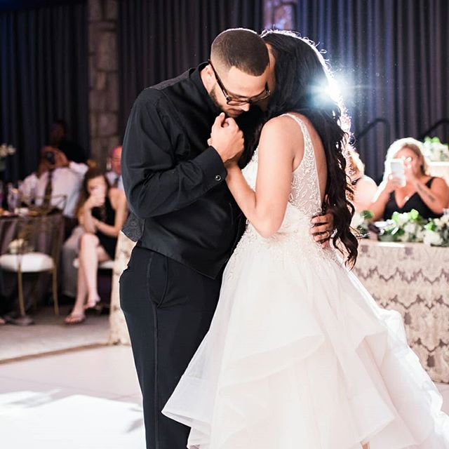 I love a good first dance. . . . . . . . .  #weddinginspo #burghbrides #pittsburghweddingphotographer #pittsburghweddings #pghwedding #pittsburghphotographer #burghphotog #weddingphotos #pittsburghcouple #burghwedding #wedding #huffpostweddings #weddingpictures #pittsburghweddingplanner #lovepgh #pittsburghlove #ohioweddings #paweddings #wvweddingphotographer #ohioweddingphotographer #paweddingphotographer #clevelandweddingphotographer #akronweddingphotographer #erieweddingphotographer #pittsburghwedding #pghweddingphotographer #steelcity #pghphotographer #pittsburghengagement