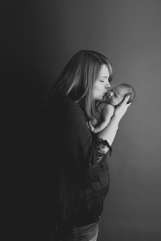 Goodyear Newborn Photographer Alexandra Queen-0033.jpg