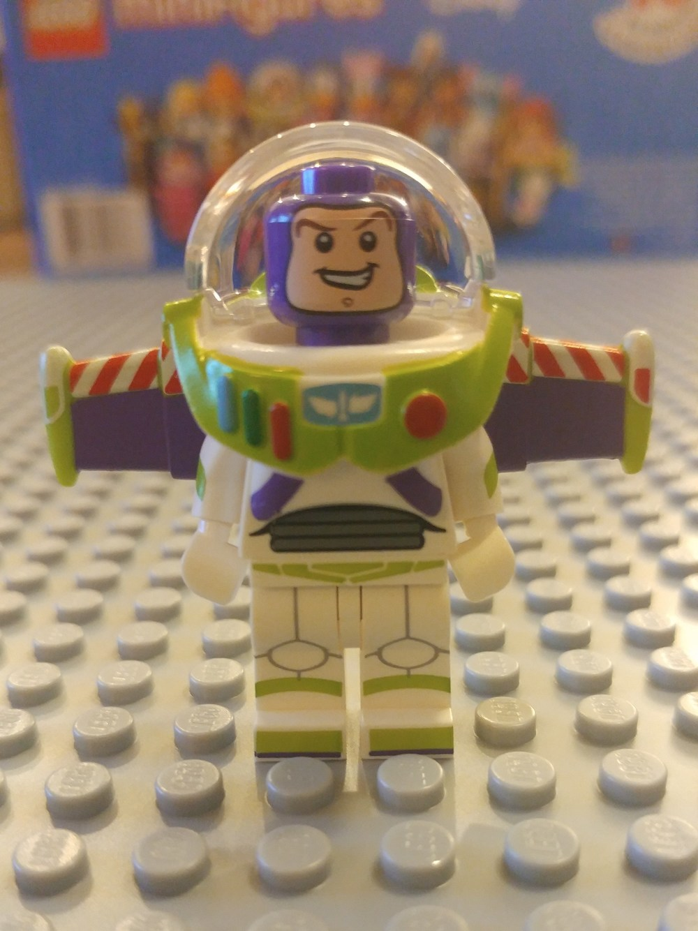 Buzz Lightyear Minifig Close Up - Front
