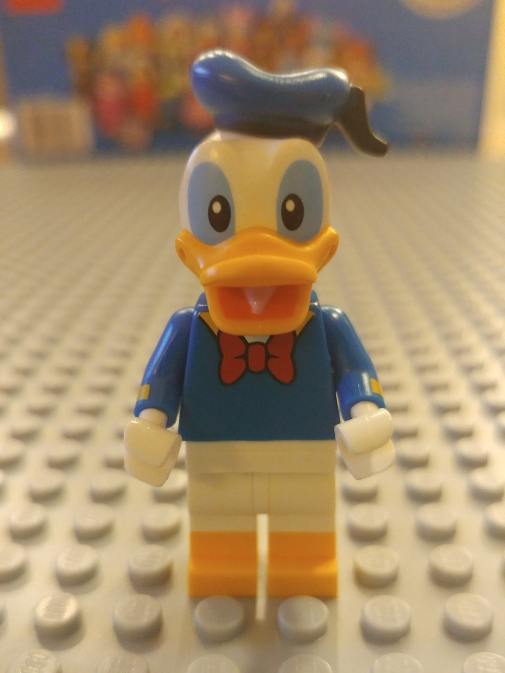 Donald Duck Minifig Close Up - Front