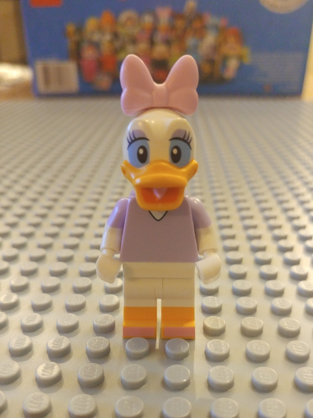 Daisy Duck Minifig Close Up - Front