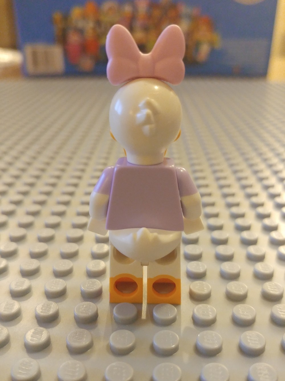 Daisy Duck Minifig Close Up - Back