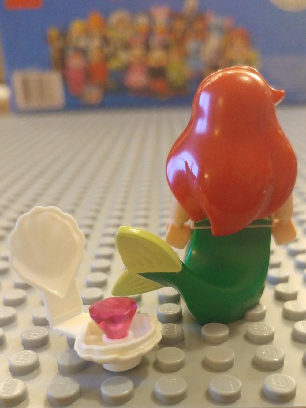 Ariel Minifig Close Up - Back