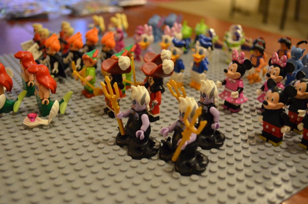 Lego-Minifigures-Disney-Full-Set-02.jpeg