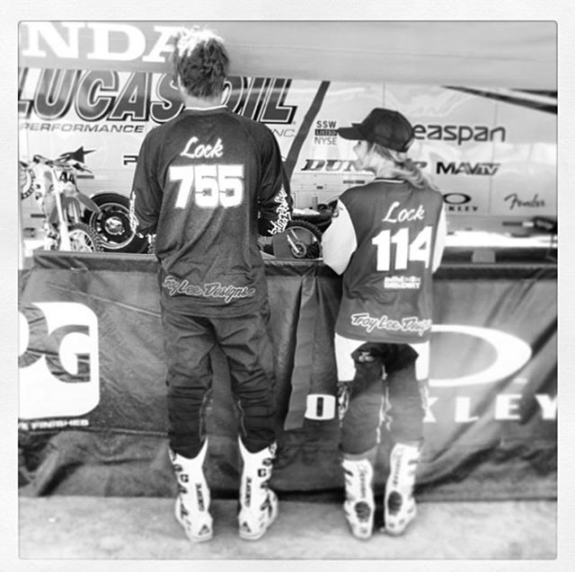 Came across this photo the other day. Racing Day in the Dirt with my bro is one my favorite memories - those moments you want to freeze in time. #DITD @troyleedesigns @fasthouse_ thanks @41kenny 😊
