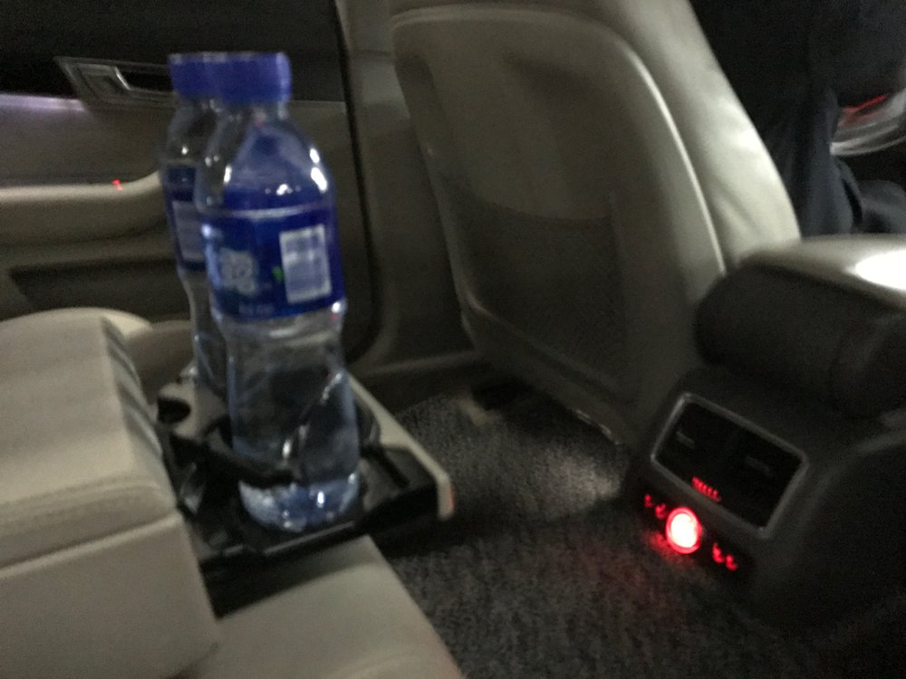 Private airport car transfer - bottled water