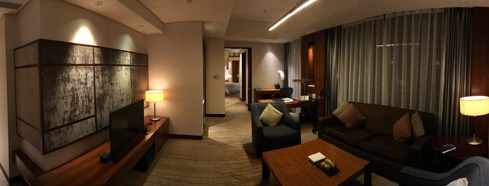 Executive renewal suite living room panorama