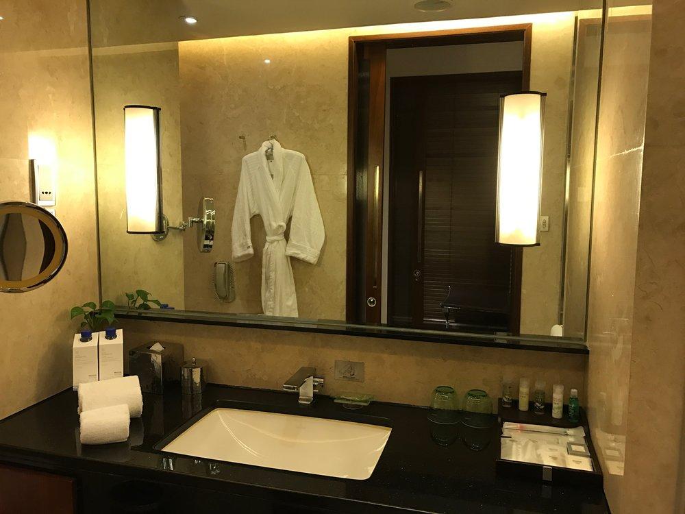 Executive Renewal Suite - master bathroom sink