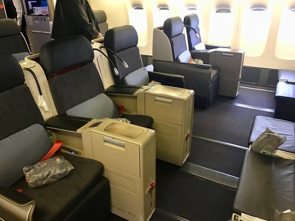 Turkish Airlines 777 business class cabin
