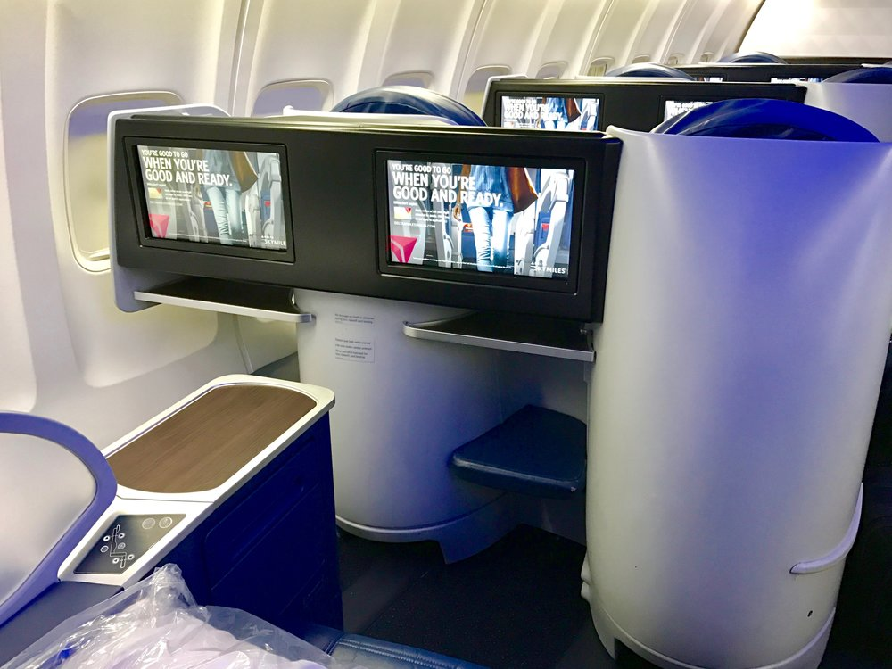 Delta One Business Class 757 - 1.jpg