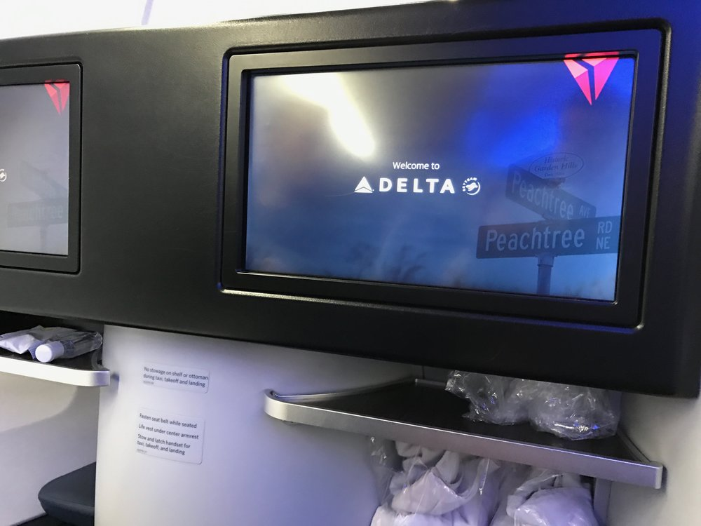 Delta One Business Class 757 - 17.jpg