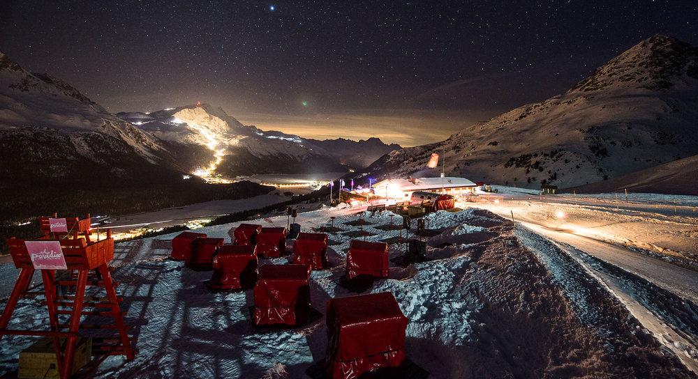 elparadiso-nightview-skiin.jpg