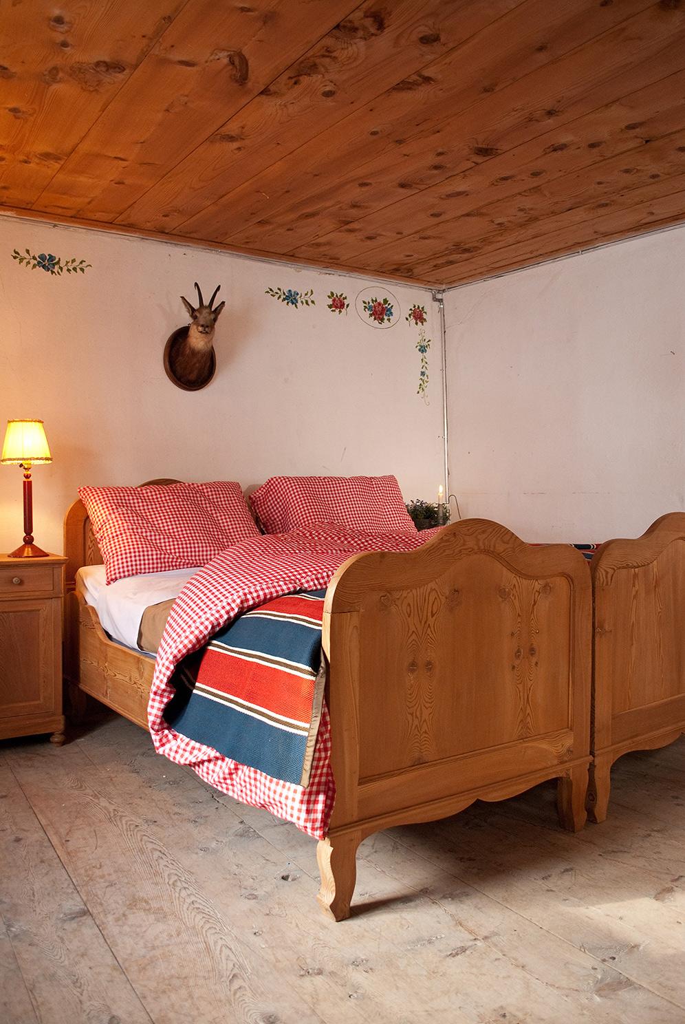 laroesa-schlafzimmer-.jpg