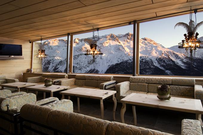 Die Heavens Lounge mit Abendstimmung