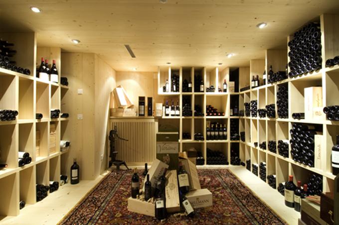 Der Weinkeller (ausgezeichnet von Serena Sutcliffe / MW / Sotheby's)