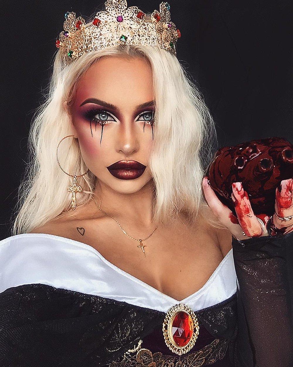 Dark Queen - @bybrookelle