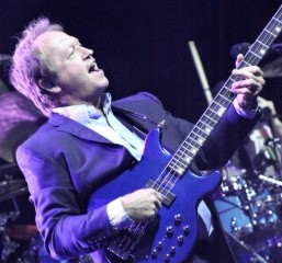 Mark King,  Level 42